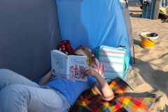 Lesen am Strand von Föhr